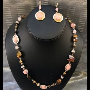 Peach/brown and gold necklace and earring set.